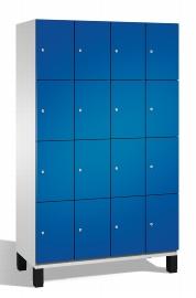 C+P Schließfachschrank 45103-40 Cambio auf Füßen 4x 4 Fächer 300mm (HxBxT) 1980x1200x525mm Lichtgrau/Enzianblau